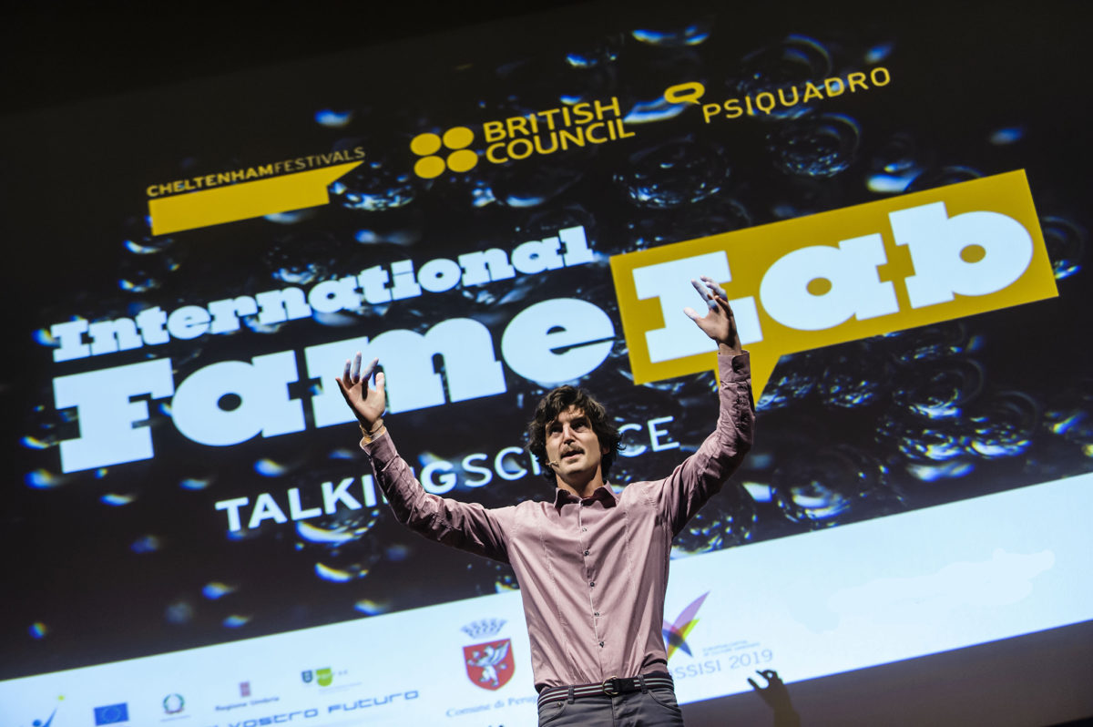 http://www.isoladieinstein.it/wp-content/uploads/2016/08/highlight4-famelab-1200x798.jpg